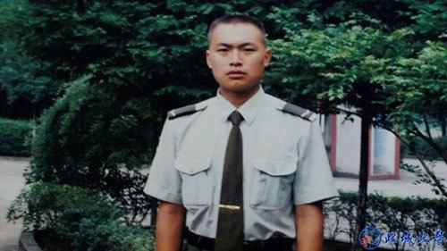 MV《多想活着》:今天是国际禁毒日,也是这位缉毒警察牺牲的第100天