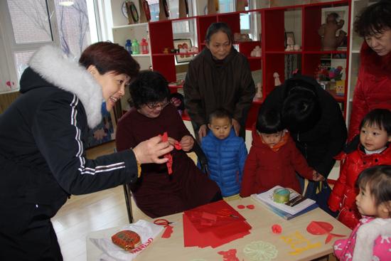 支部共筑共建  槐荫区第三幼儿园志愿服务温暖低保家庭