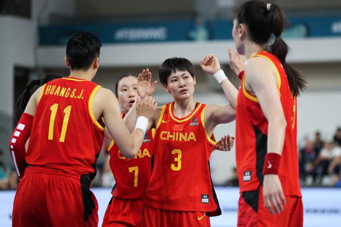 女篮获得奥运资格,以127:49狂胜菲律宾队,早前经验很重要