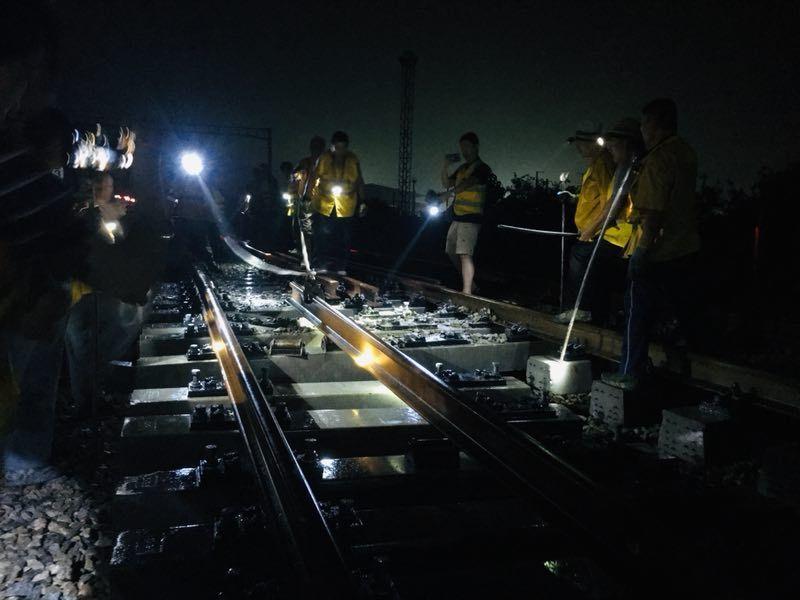 4小时雨中夜战!鲁南高铁与京沪高铁接轨,正式并入高铁网