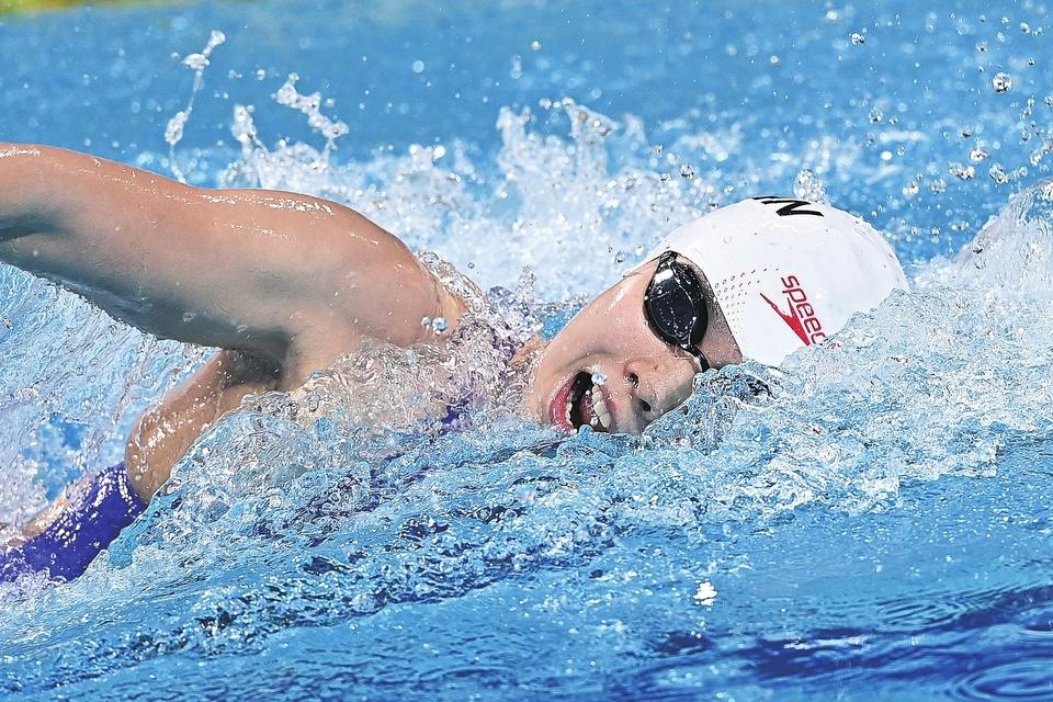 """0.22秒之差屈居女子200米自由泳亚军 杨浚瑄:被游泳耽误的""""画家"""""""