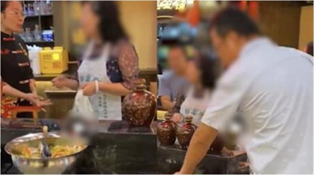 太火爆!重庆一顾客欲打包10坛免费泡菜被拒后竟然砸店 脾气真的太大了!