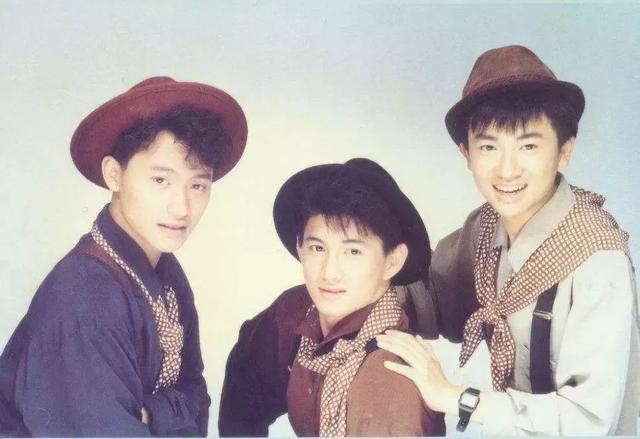 苏有朋含泪邀约小虎队重聚:转眼,已过30年