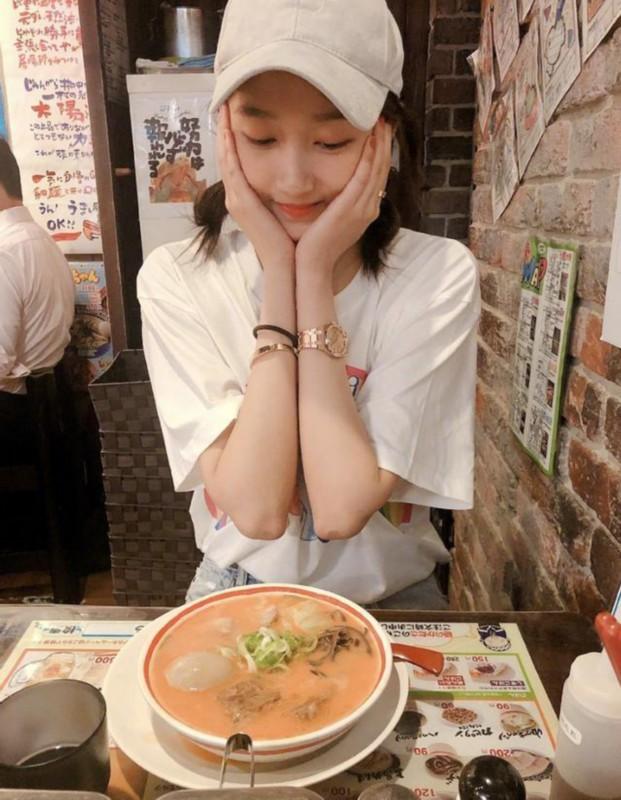 【围观吃瓜】鹿晗零点为关晓彤庆生,有点甜是怎么回事哦!