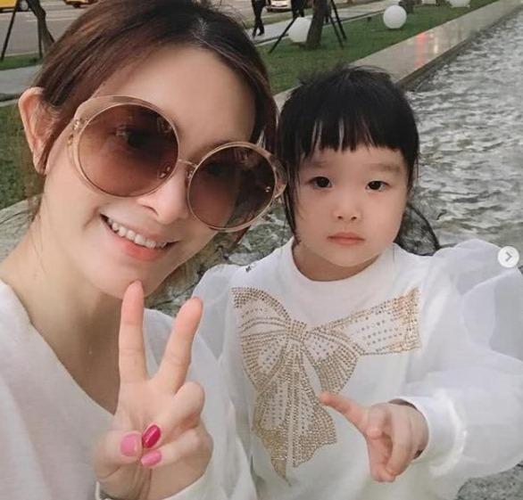 刘真追思会时间曝光!4岁女儿仍在家等待母亲归来-聚师网教育