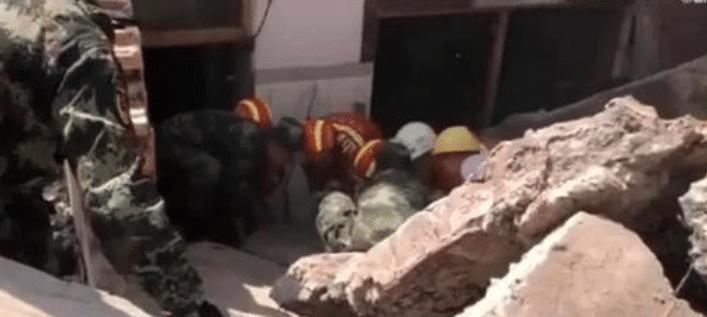 官方回应坍塌遇难者3万安葬费:已有五六个遇难者家属将遇难者遗体运回